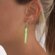Förpackning med 5 par lysande örhängen