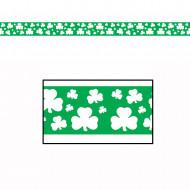 Plastgirlang med fyrklövrar för St Patrick