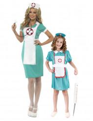 Sjuksköterska pardräkt mor & dotter