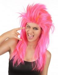 Rockare i rosa peruk