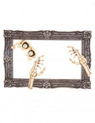 Photobooth kit till Halloween med ram och skelettdelar