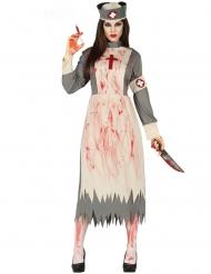 Blodig gammaldags sjuksköterska