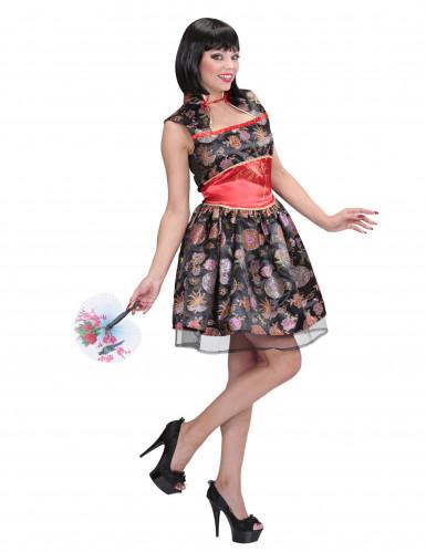 Söt klänning med kinakrage